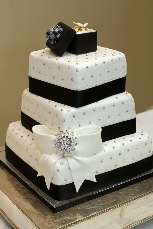 7 Black And White Wedding Cakes Fondant Photo - Red and Black ...