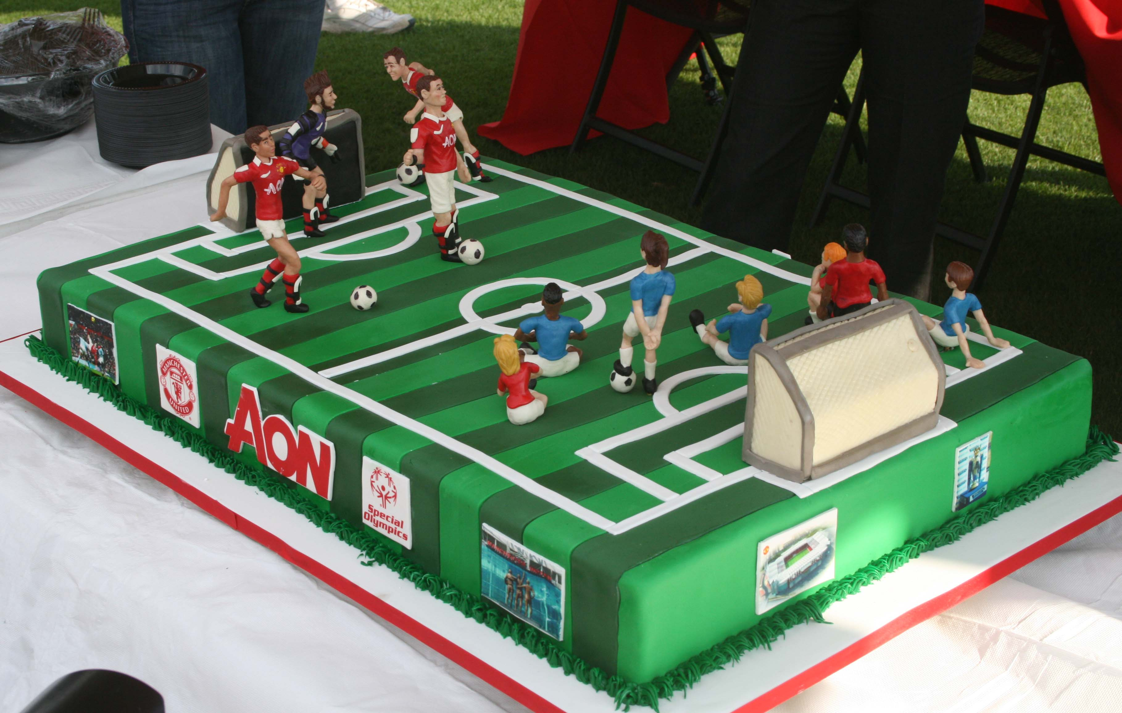 13 Players Or Football Field Cakes Photo Football Field Cake