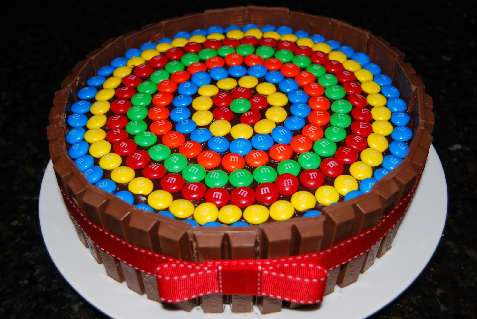 9 Top Cakes In The World Photo Kit Kat Cake Worlds Best