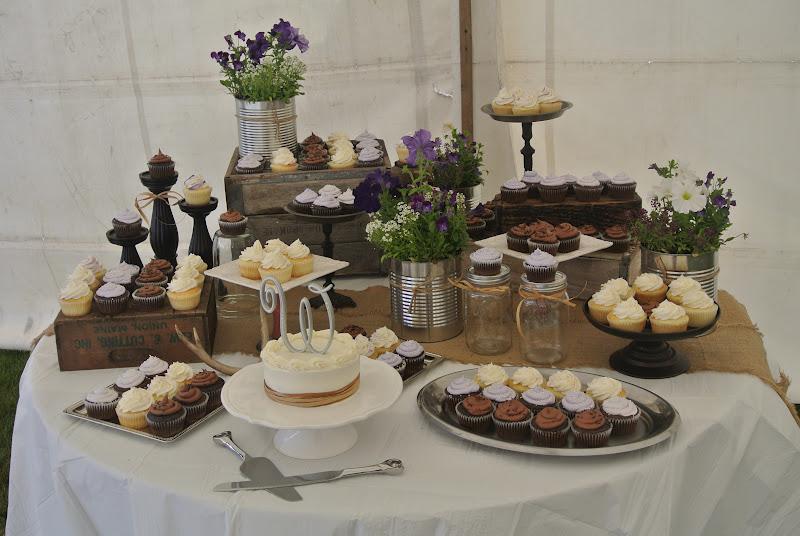 12 Rustic Wedding Cake With Cupcakes Display Photo Rustic Wedding