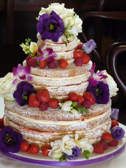 wedding cakes with berries and flowers 8 wedding cakes with flowers and fruit photo 25980