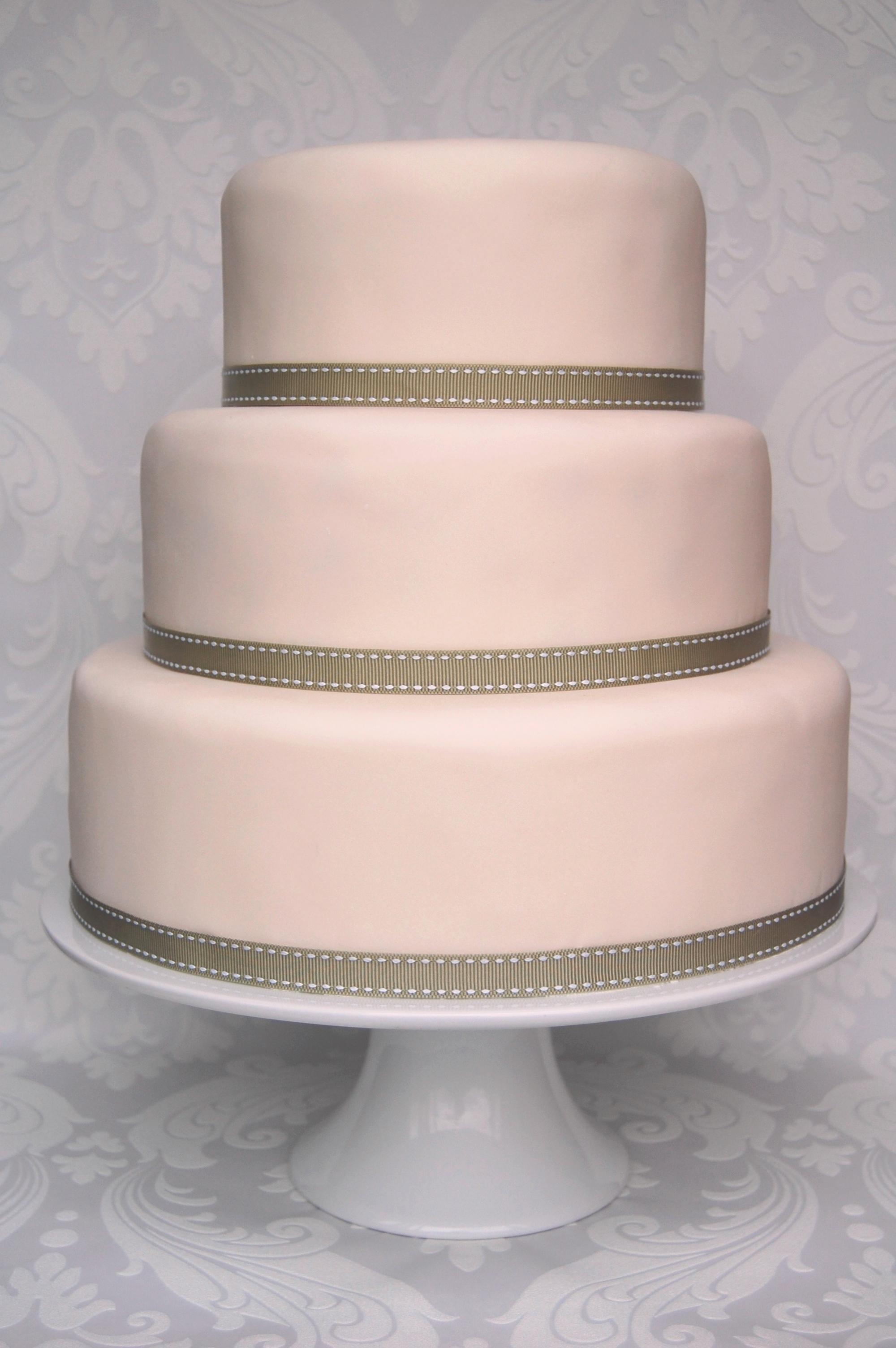 13 Plain Wedding Cakes Photo - Plain White Wedding Cake, Plain White ...