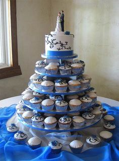 8 Blue And White Wedding Cakes And Cupcakes Photo - Blue and White ...