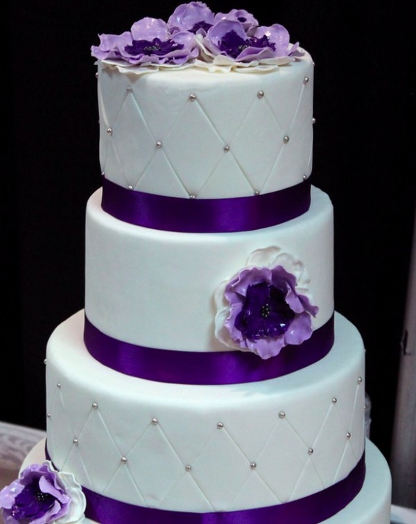 11 Lavender With White And Silver Wedding Cakes Pictures 2013 Photo ...