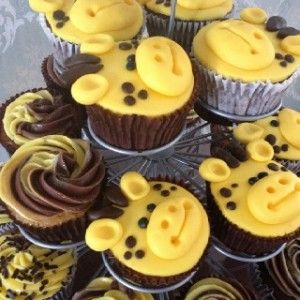 Giraffe Themed Baby Shower Cupcakes