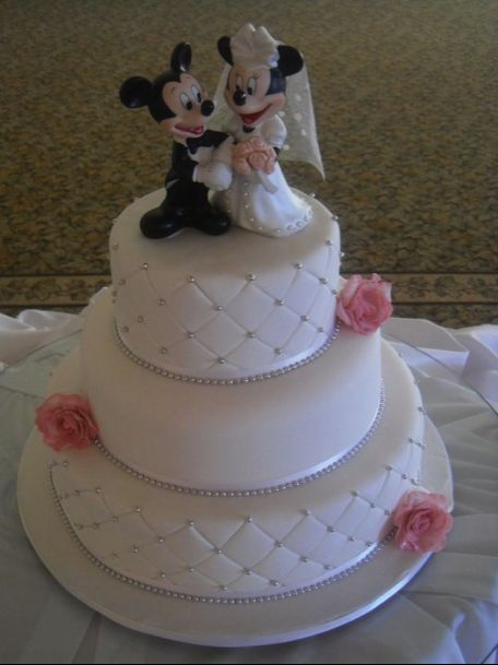7 Pic Minnie Wedding Cakes Photo - Mickey Mouse and Minnie Wedding ...