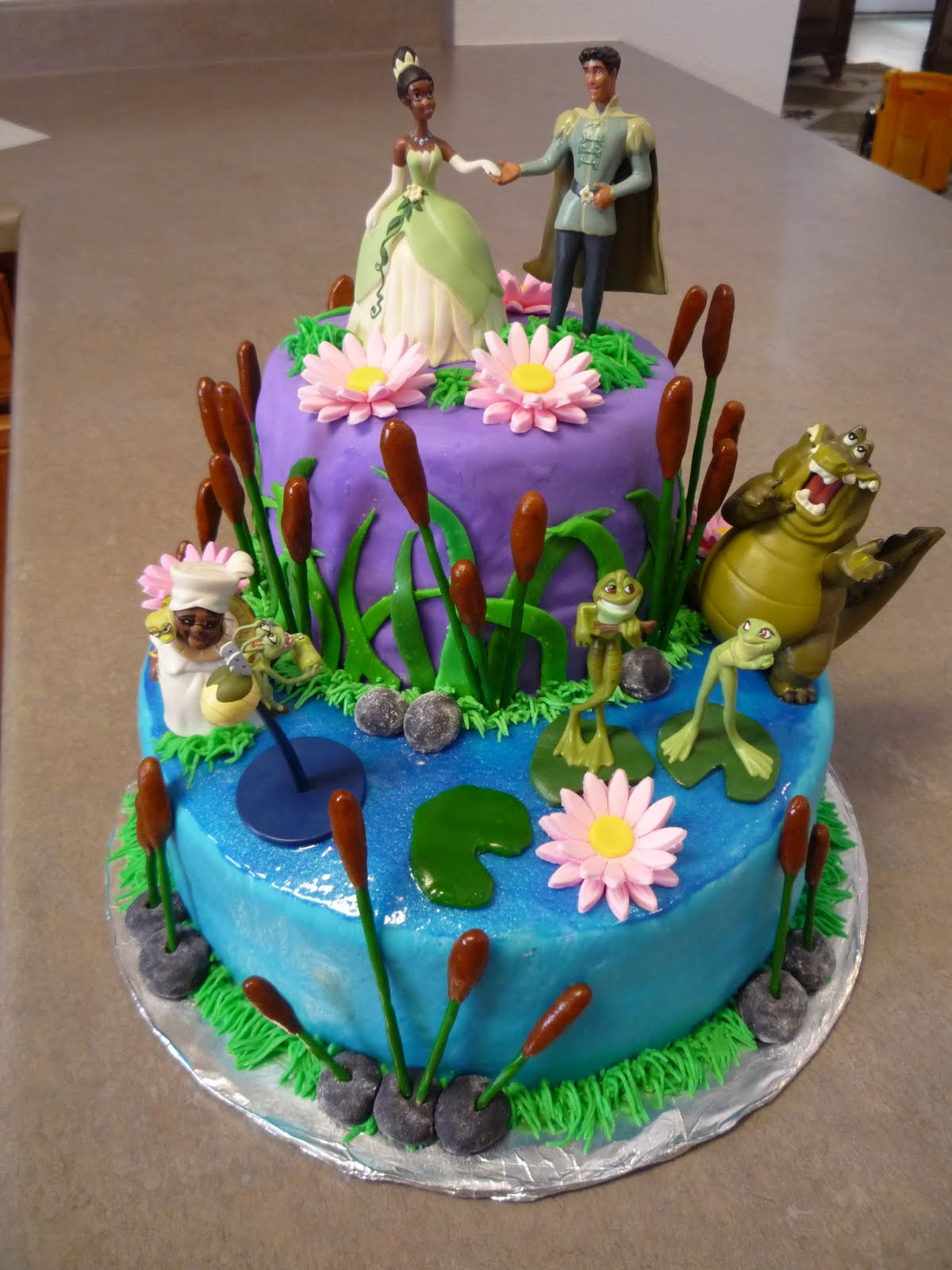 8 N The Frog Princess Birthday Cakes Photo Princess And Frog