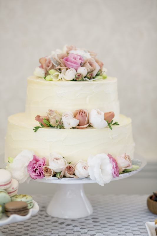 2 Tier Wedding Cake with Buttercream Flowers