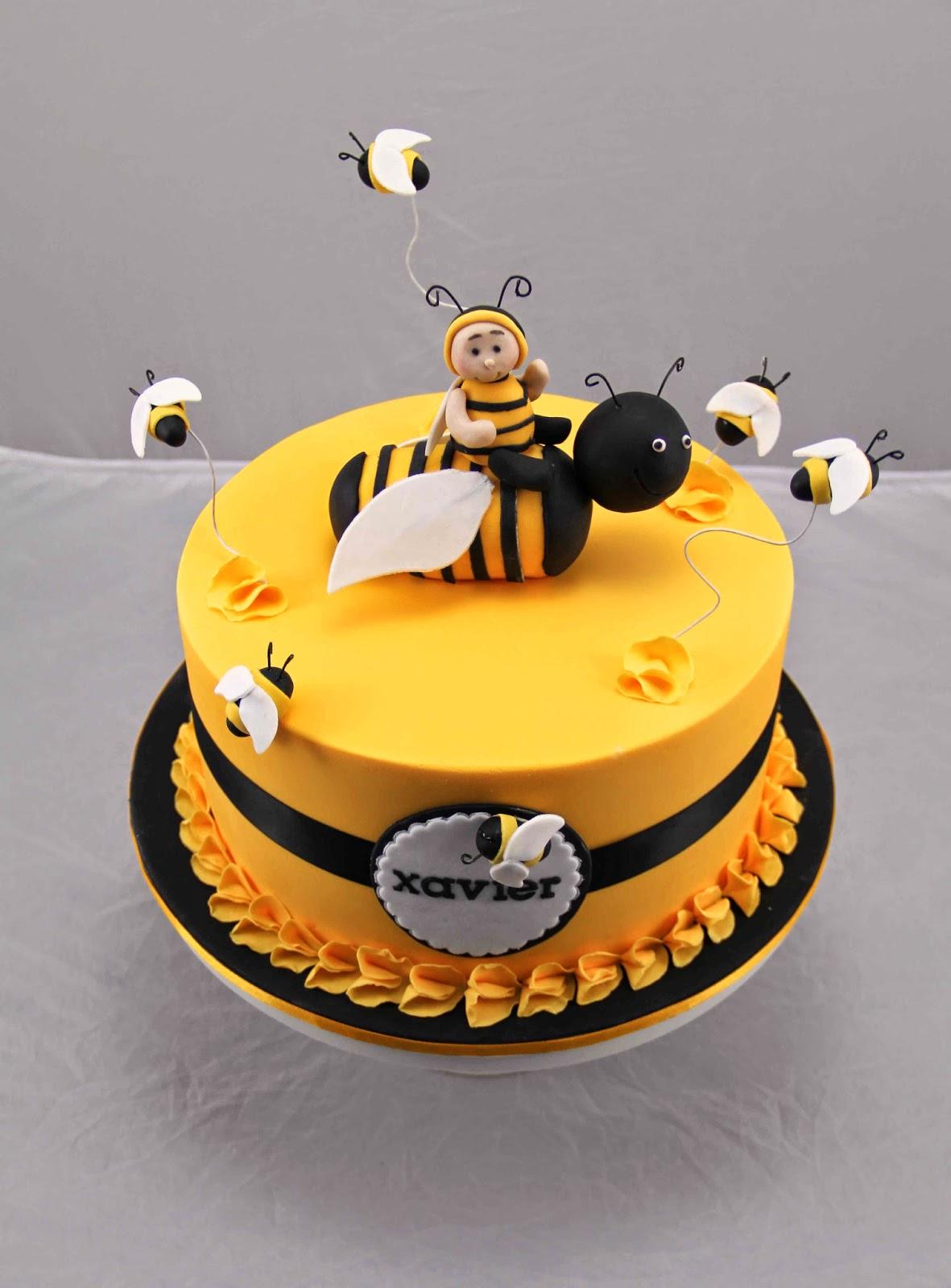 Marvelous 10 Happy Birthday Queen Bee Cakes Photo Happy Birthday Queen Bee Funny Birthday Cards Online Inifofree Goldxyz