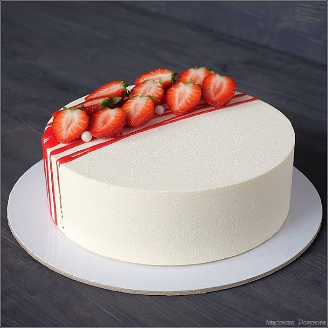 12 Cakes Decorated With Strawberry Photo Chocolate Cake With