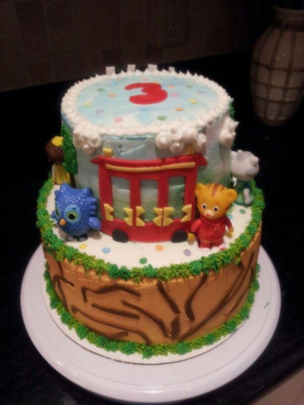 9 Daniel Tiger Birthday Cupcakes Photo Daniel Tiger Cake Daniel