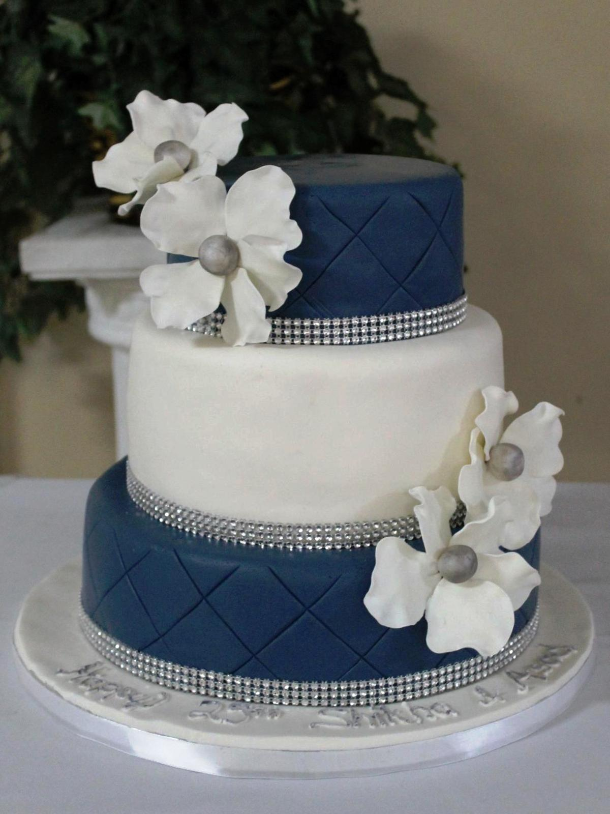 10 Light Blue Quilted Wedding Cakes Photo Royal Blue And Silver