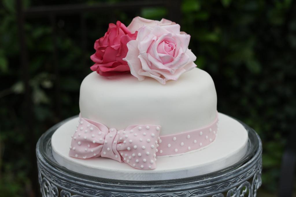 8 Rose Bday Cakes Photo Birthday Cake with Roses Rose Birthday