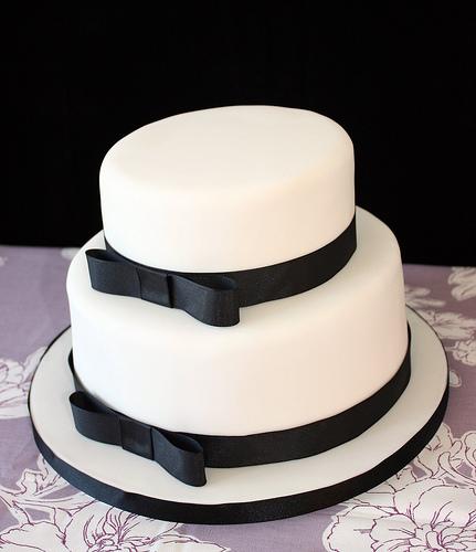 10 Wedding Cakes With Simple Black Photo Elegant Black And White