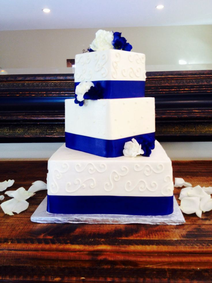 Blue White Wedding Cake With Ribbon
