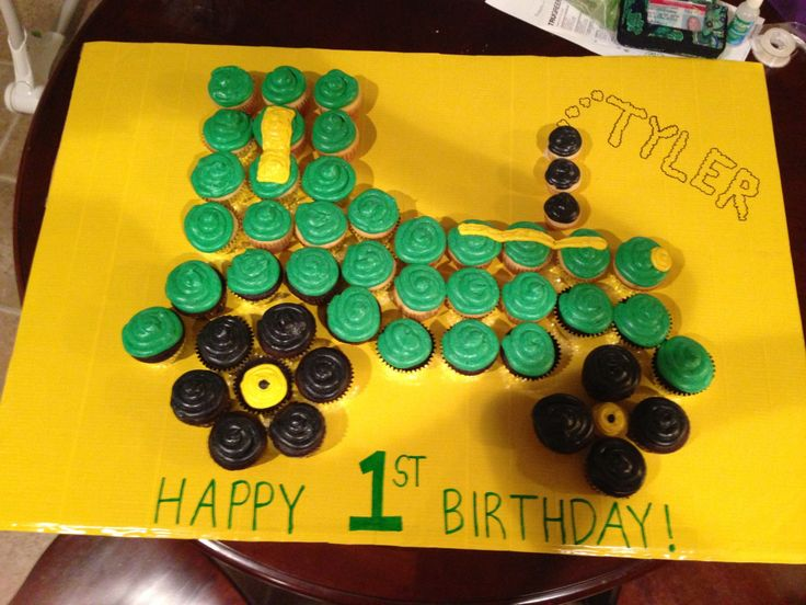 9 Using Tractor Cupcakes Cake Photo