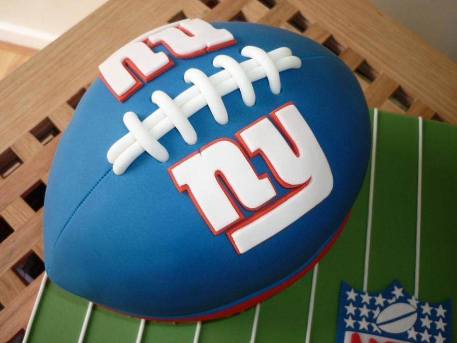 Groovy 10 Giants Football Birthday Cupcakes Photo Ny Giants Cake New Funny Birthday Cards Online Inifofree Goldxyz