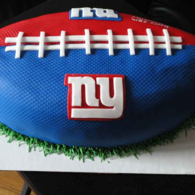 Pleasing 10 Giants Football Birthday Cupcakes Photo Ny Giants Cake New Funny Birthday Cards Online Inifodamsfinfo