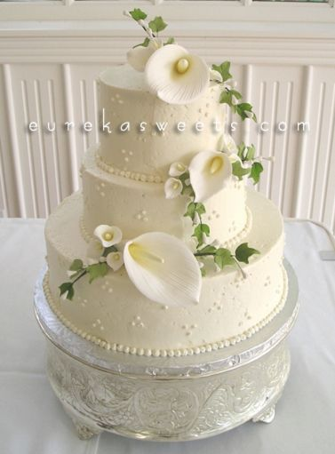 11 Simple 2 Tier Wedding Cakes With Calla Lilies Photo Wedding - Wedding Cake With Lilies