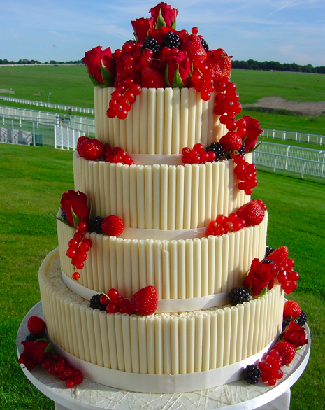 7 Photos of Unique Wedding Cakes With Fruit