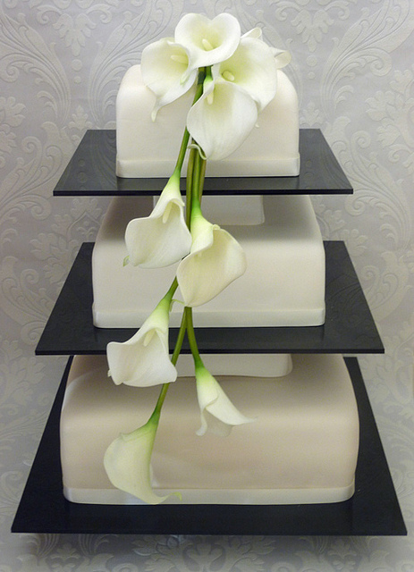 11 Wedding Cakes With Calla Lilies Off White Photo White Calla - Calla Lilly Wedding Cake
