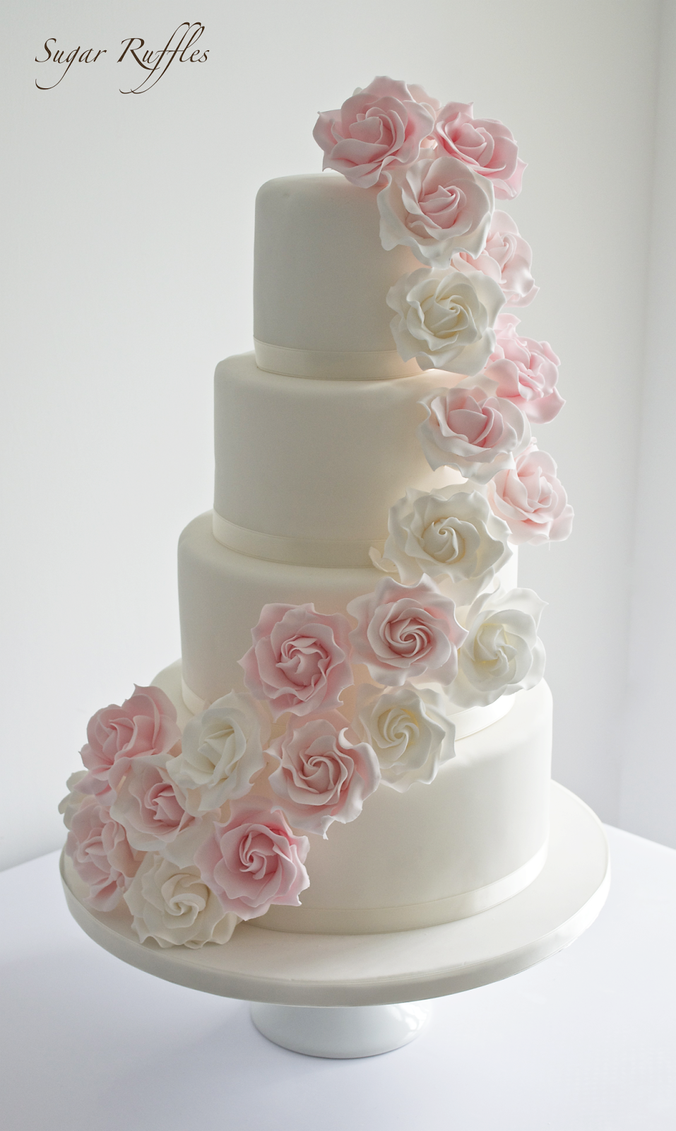 pink rose garden wedding cake 12 small wedding cakes with pink garden roses photo 18583