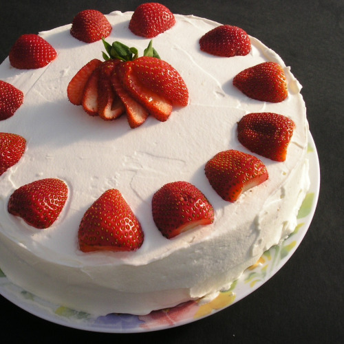 11 Cakes Decorated With Strawberries Photo Strawberry Cake