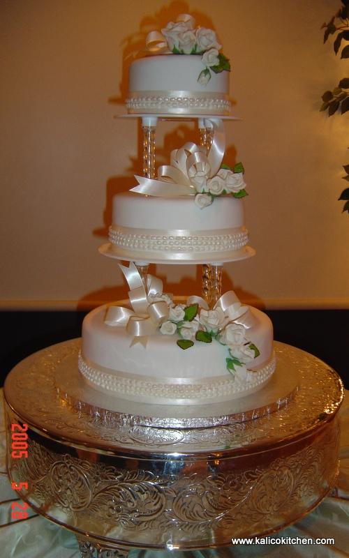 3 Tier Wedding Cakes With Pillars