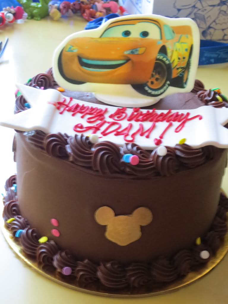 8 Disneyland Custom Cakes Photo Cinderella Wedding Cake Table