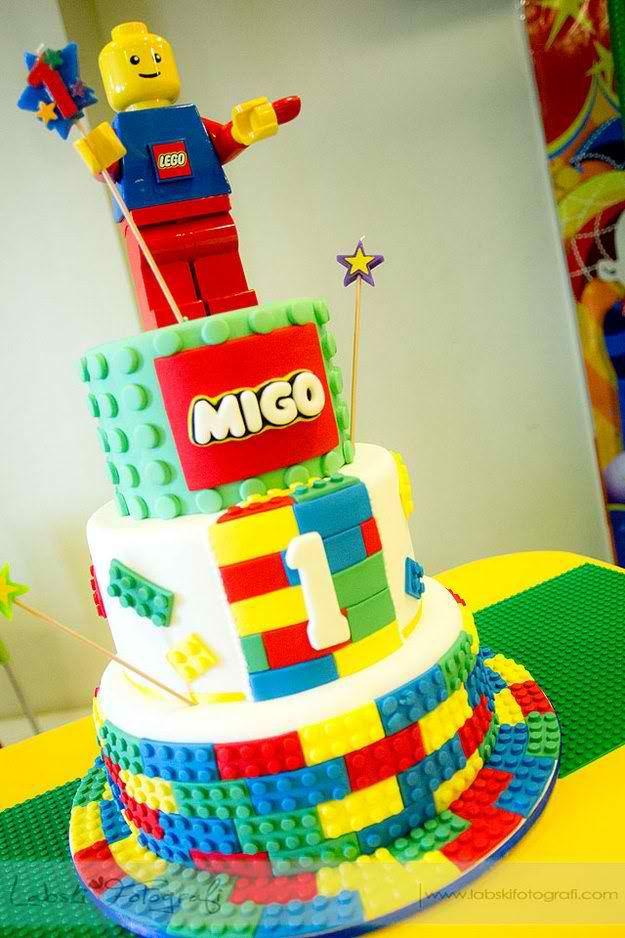 12 LEGO City Birthday Cakes Photo