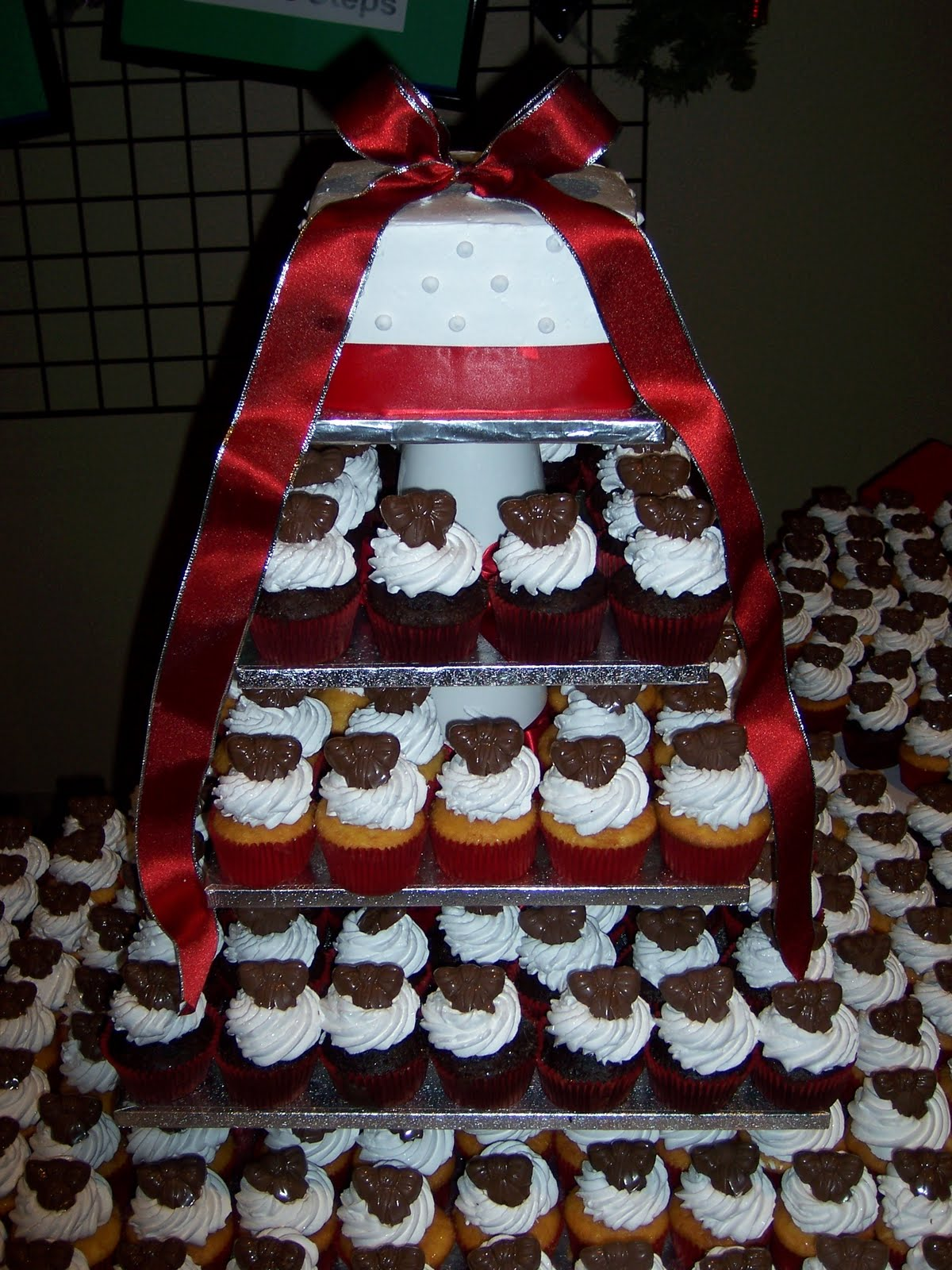 Red black and white cupcake ideas