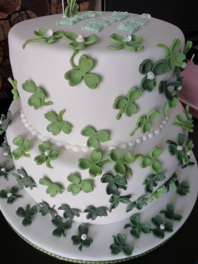 Swell 11 Irish Birthday Sheet Cakes Photo St Patricks Day Wedding Personalised Birthday Cards Cominlily Jamesorg