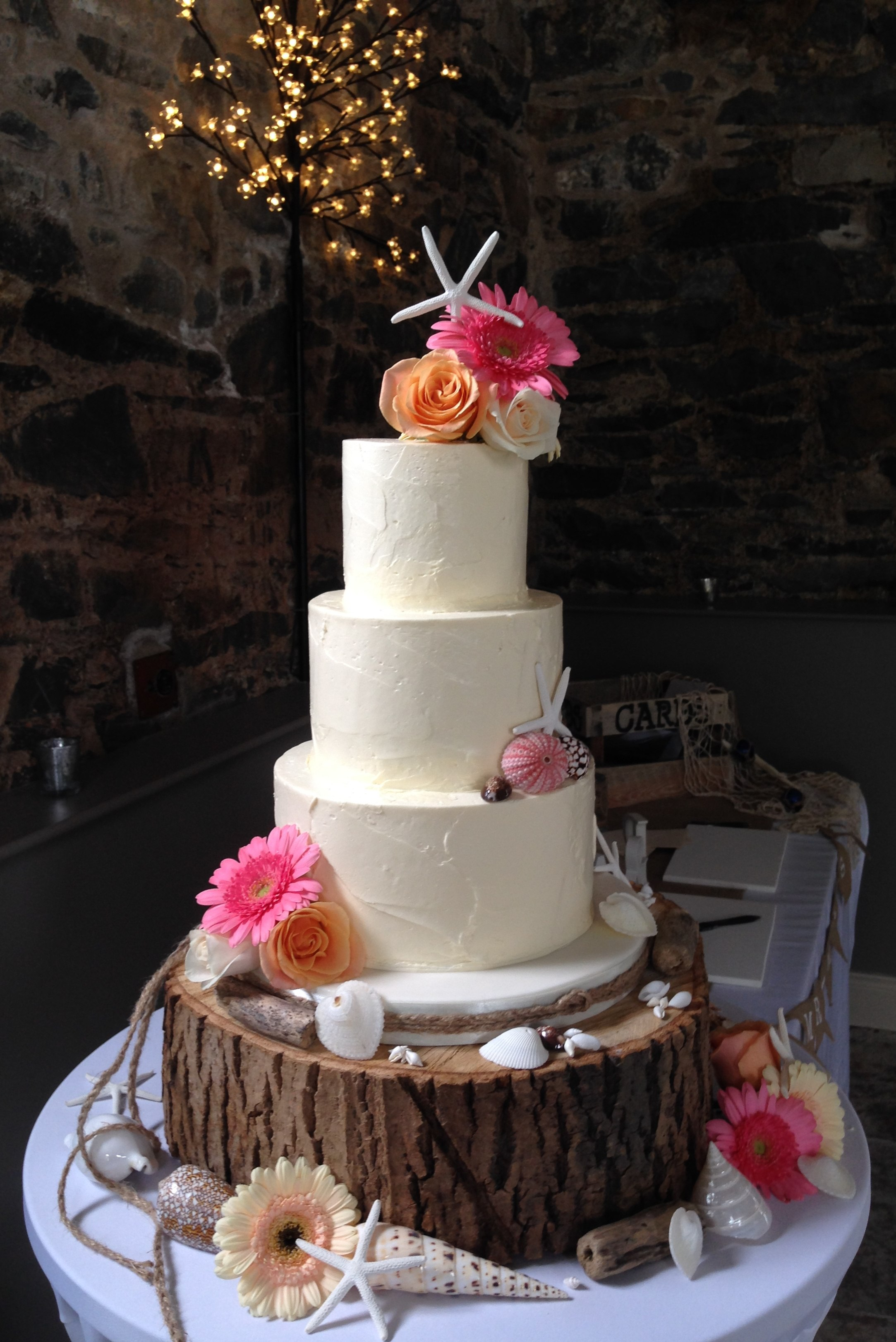 8 beach themed wedding cakes buttercream photo beach wedding cake beach wedding cake buttercream junglespirit Gallery