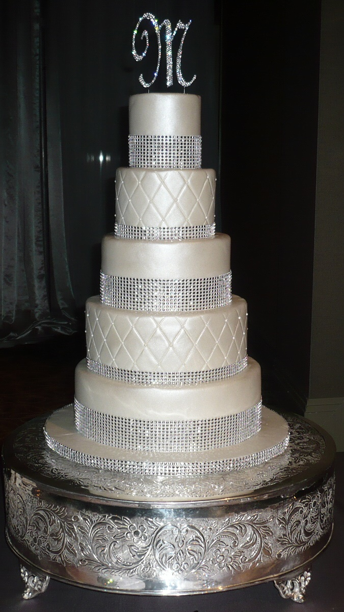 10 4 Tier White Square Wedding Cakes With Bling Photo - 4 Tier ...