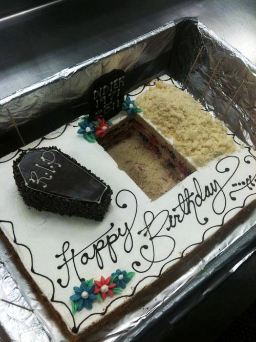 Marvelous 11 Hilarious Birthday Cakes Photo Funny Old Birthday Cakes Personalised Birthday Cards Akebfashionlily Jamesorg