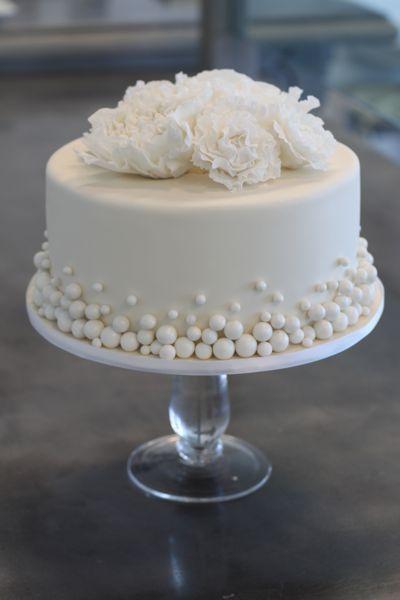 11 simple small wedding cakes fondant photo single layer wedding single layer wedding cake junglespirit Choice Image