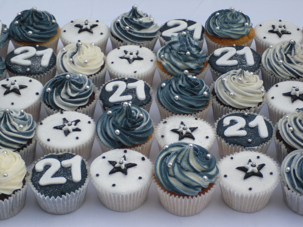 Wondrous 12 21 Birthday Cupcakes For Men Photo Male 21St Birthday Cake Funny Birthday Cards Online Alyptdamsfinfo