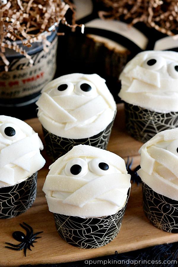 halloween cupcakes and treats