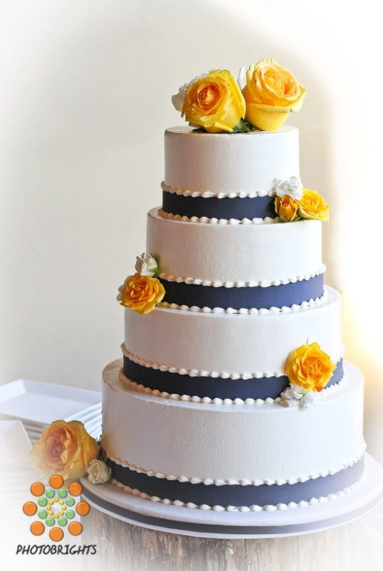 royal blue and yellow wedding cakes royal blue and yellow wedding cake 50085 applestory 19362