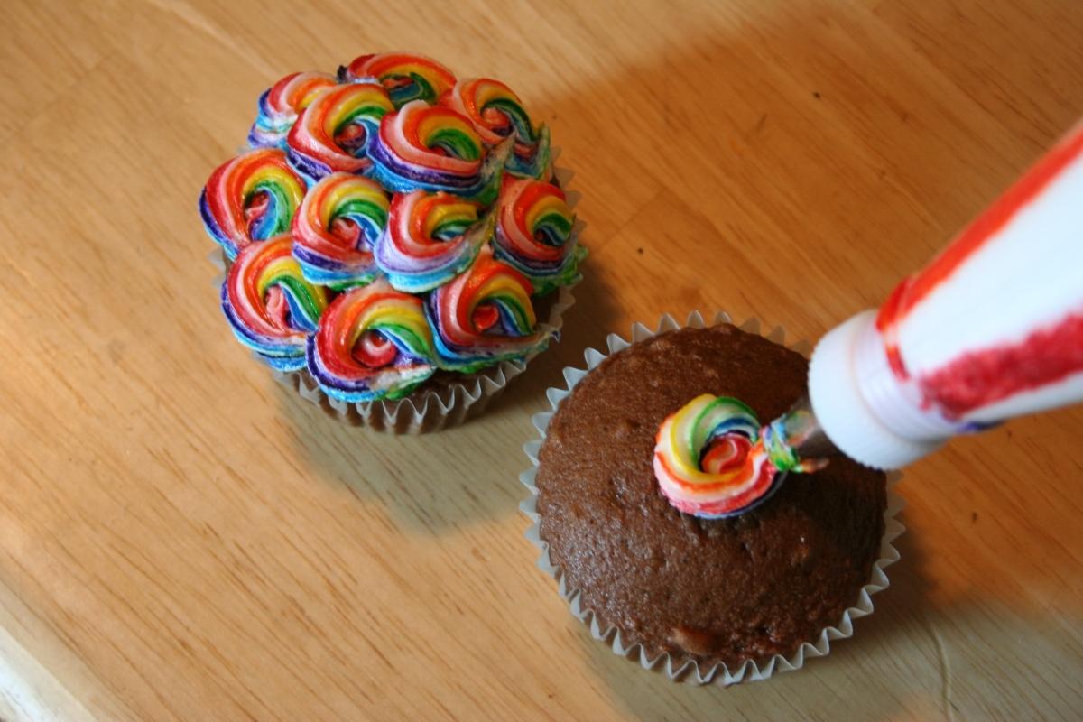 12 Fun Easy Birthday Cupcakes Photo
