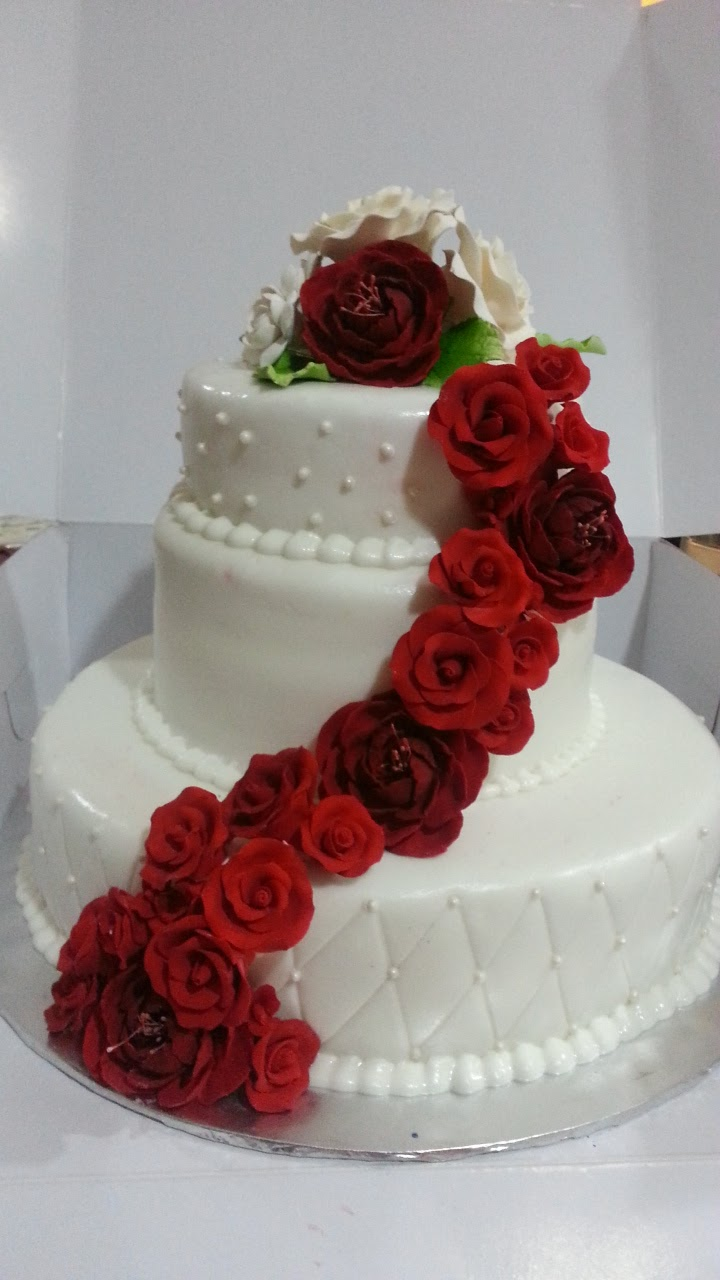 8 Designer Cakes By Rose Photo Cake With Roses Design Red Rose