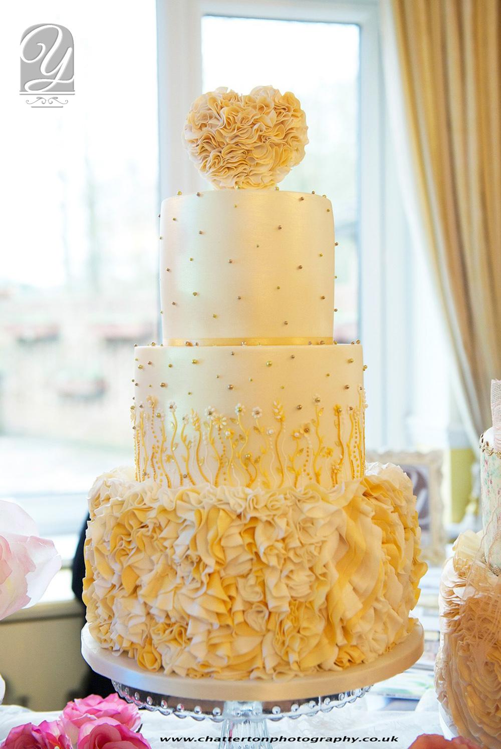 12 Unique Wedding Cakes Gold Photo - Unique Wedding Cake Heart ...
