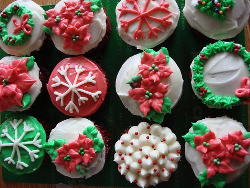 Christmas Cupcake Decorating Ideas & 11 Good Christmas Decorations For Cupcakes Photo - Christmas Cupcake ...