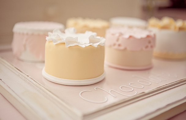 8 Mini Round Wedding Cakes Photo - Mini Wedding Cakes Pinterest ...