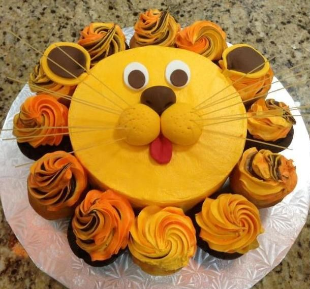 7 Crown Cupcake Cakes Food Lion Photo Crown Lion King Baby Shower
