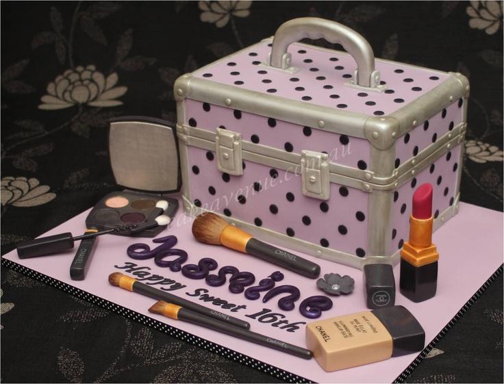 8 Makeup Case Cakes Happy Birthday Photo Make Up Artist Birthday