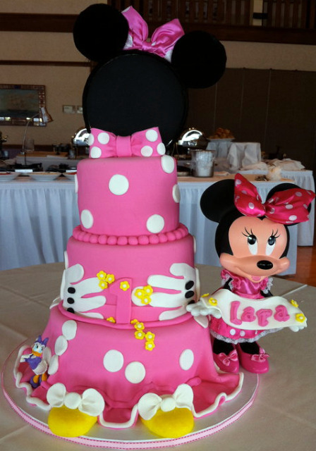 12 Minnie Mouse Cakes Cake Boss Photo Minnie Mouse Castle Cake