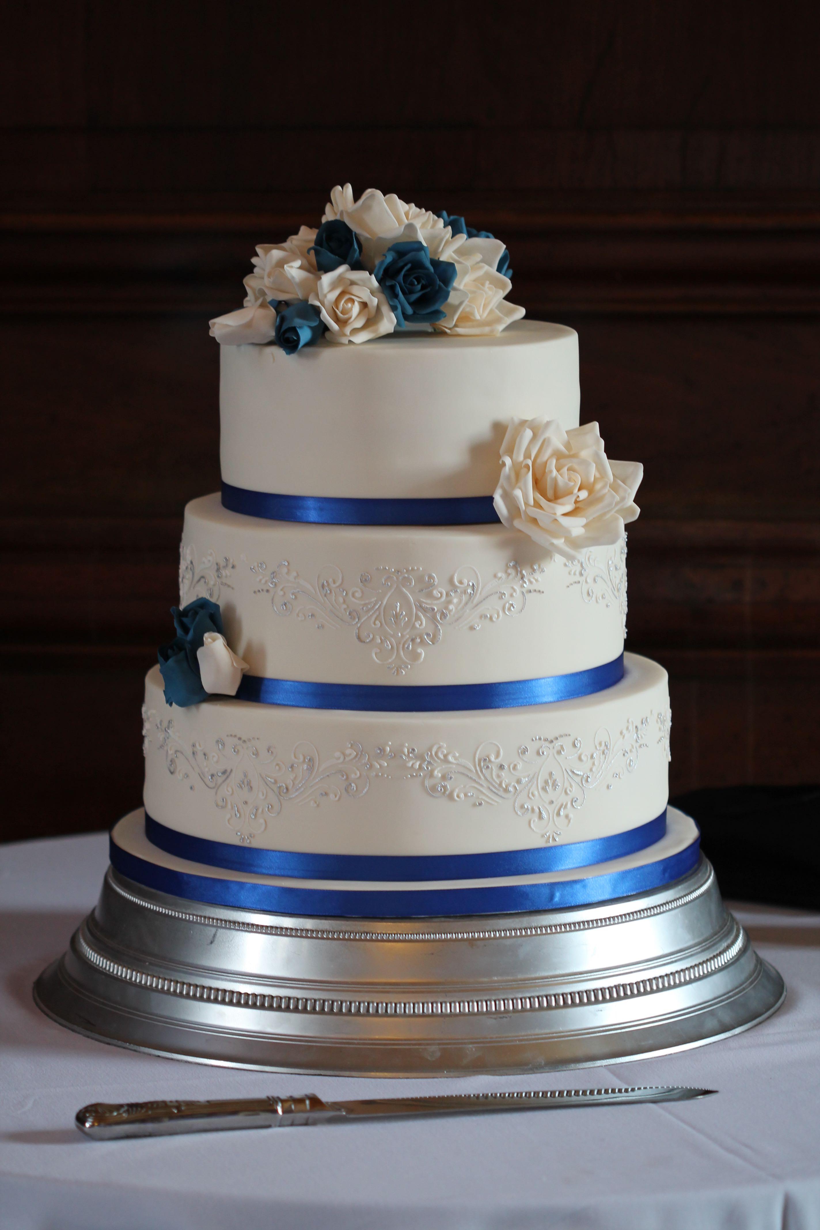 royal blue and silver wedding cakes - Wedding Cake Design Ideas