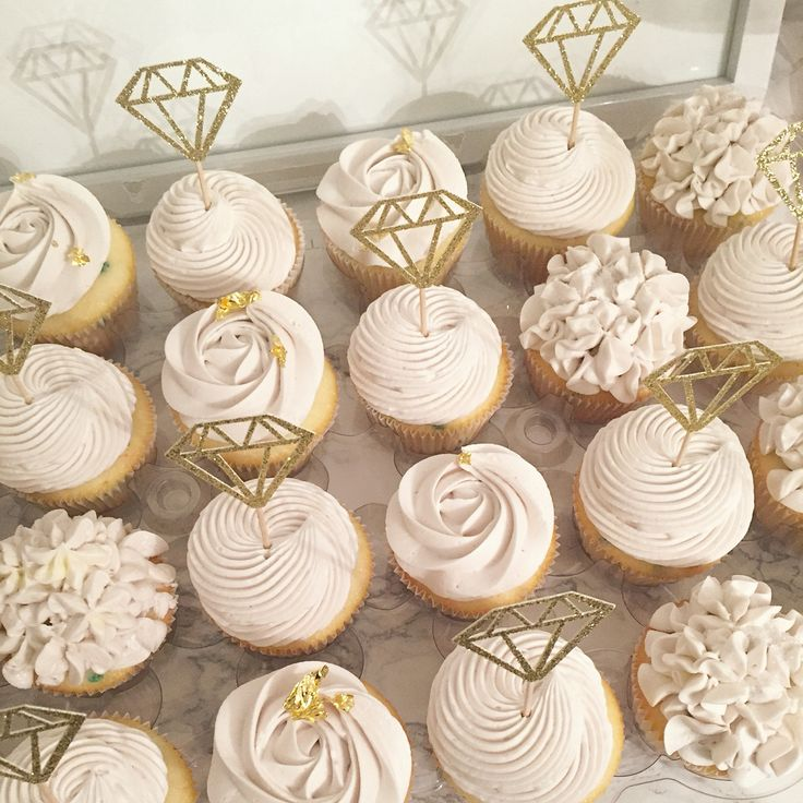 rustic bridal shower cupcakes