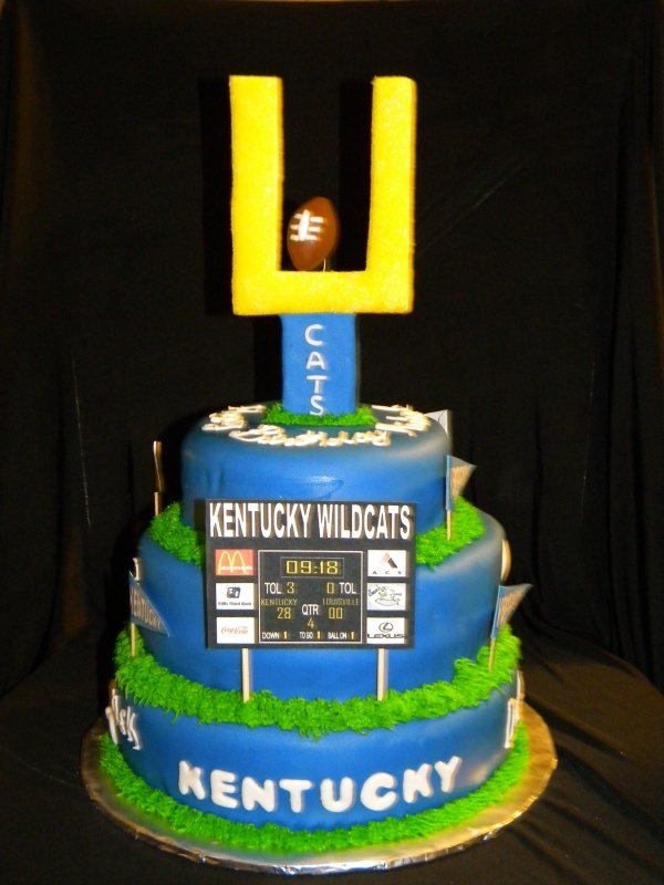 12 Photos of Kentucky Wildcats Groom's Cakes
